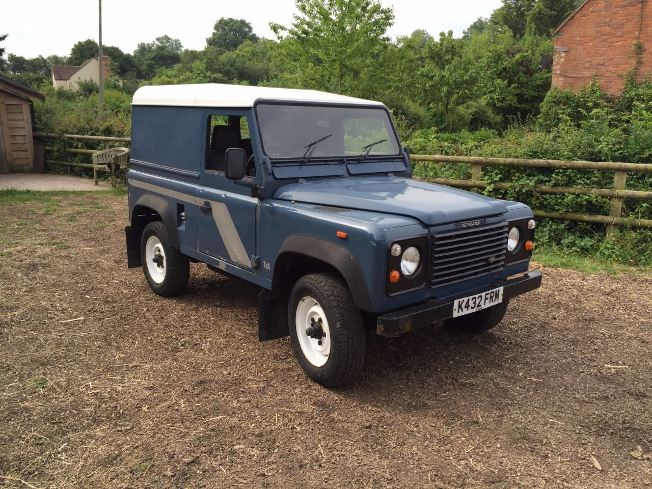 used land rover defender 90 defender turbo 25 200 for sale in gloucester gloucestershire. Black Bedroom Furniture Sets. Home Design Ideas