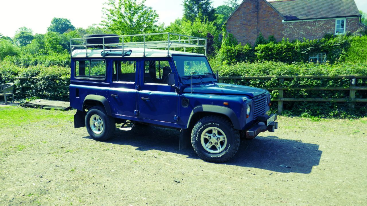 2004 Land Rover Defender 2.5 110