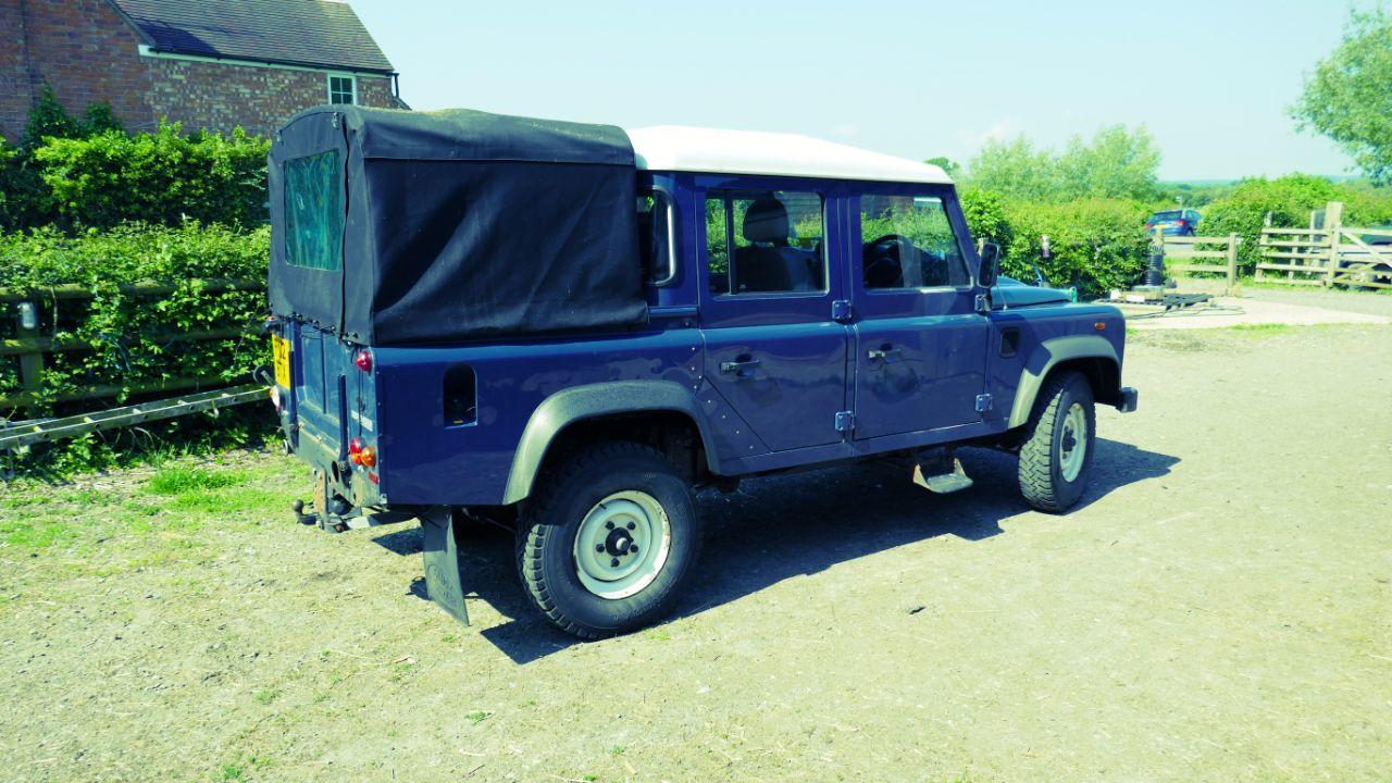 2012 Land Rover Defender Double Cab PickUp TDCi [2.2]