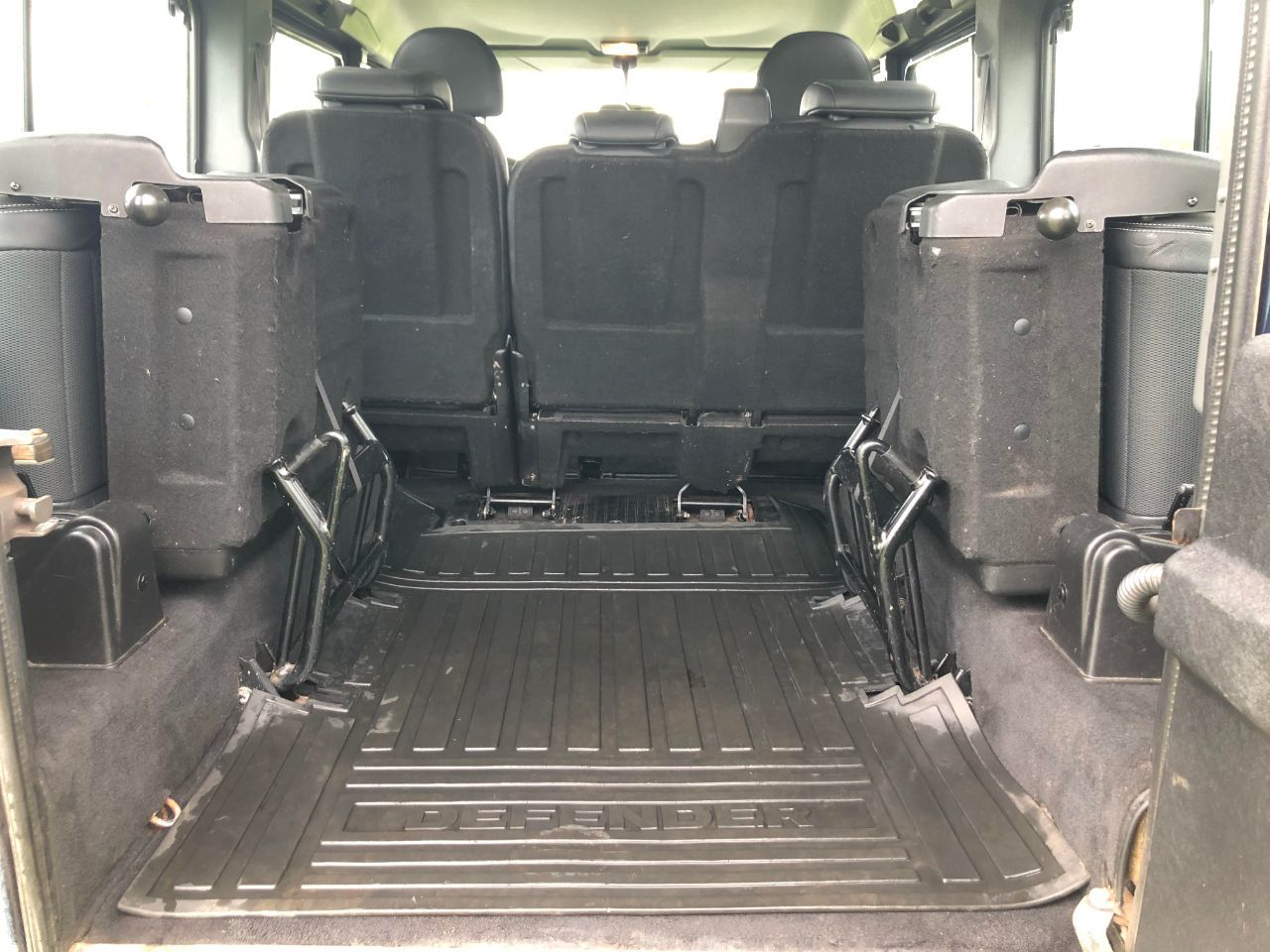 2008 Land Rover Defender 2.4 XS Station Wagon TDCi